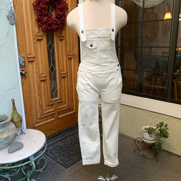 Free People Denim - FREE PEOPLE Winter White Overalls Size 25 Like New